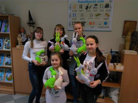 Wiosna z zającem! - kolejna akcja szkolnego wolontariatu