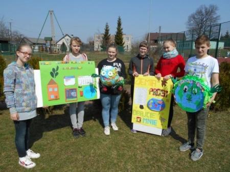 20 kwietnia w Zespole Szkół w Brzeźnie Szlacheckim obchodziliśmy Światowy D